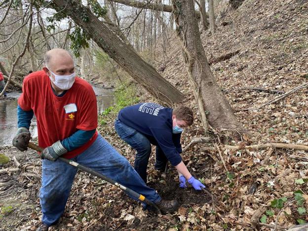 Volunteers help clean up Great Brook stream in New Milford